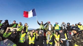 Tăng giá nhiên liệu và làn sóng biểu tình tại Pháp