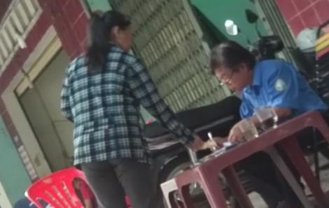 Video: Chung chi 'hụi chết' ở bến xe buýt