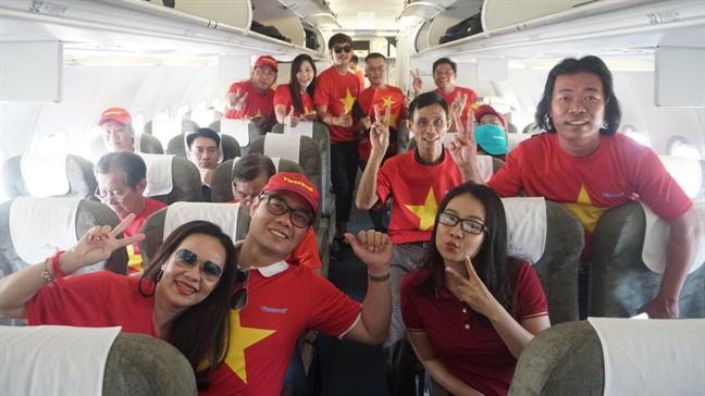 Co dong vien 'nhuom do' san bay len duong co vu tuyen Viet Nam da ban ket