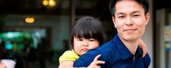 Vì sao đàn ông làm nội trợ được tôn vinh như siêu anh hùng tại Nhật Bản?