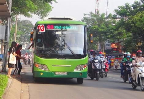 Xe buýt nửa vời, hàng ngàn tỷ đồng luẩn quẩn