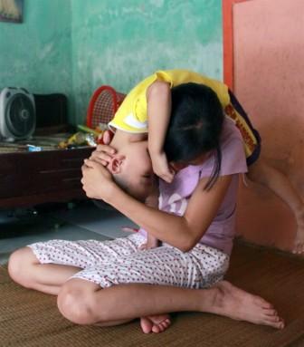 Muôn nẻo nhọc nhằn can thiệp trẻ tự kỷ (1): Đeo mang dị tật suốt đời