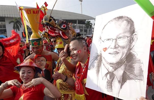 Chien thang chung cuoc 4-2, Viet Nam vao chung ket gap Malaysia