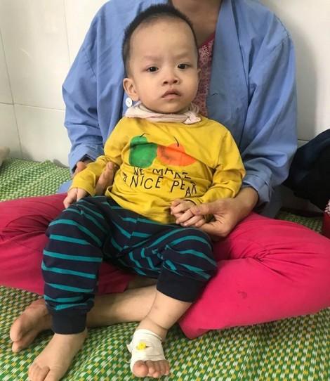 Bé trai 1 tuổi tử vong thương tâm do hóc thạch rau câu