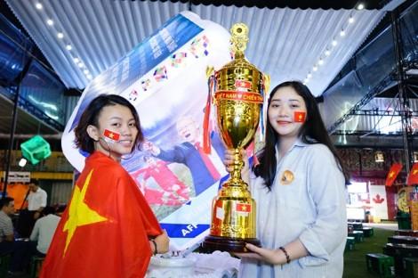 Chiến thắng chung cuộc 4-2, Việt Nam vào chung kết gặp Malaysia