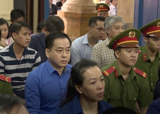 Ong Tran Phuong Binh bi de nghi tu chung than, Vu 'nhom' 15-17 nam tu