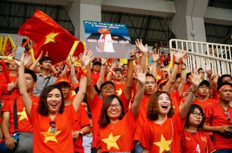 Tour đi Malaysia xem tuyển Việt Nam đá chung kết 'nóng' từng giờ