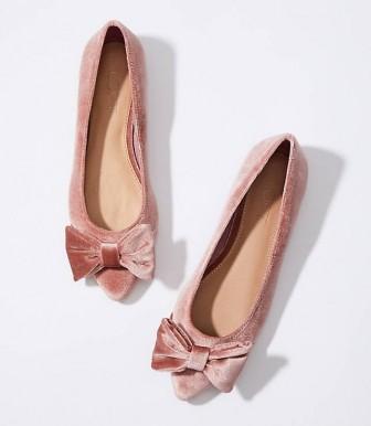 Những mẫu giày bệt kiêu kì sang trọng khiến giày cao gót cũng phải 'chạy dài'