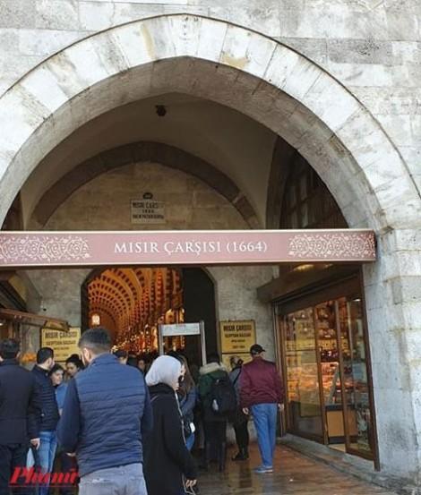 Chìm đắm sắc màu ở chợ gia vị Spice Bazaar của Thổ Nhĩ Kỳ