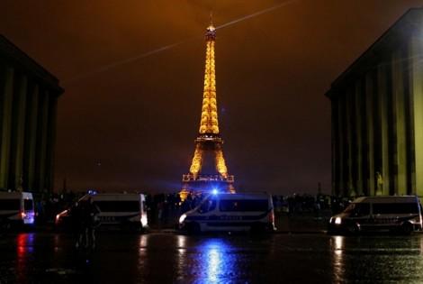 Tháp Eiffel, bảo tàng Louvre đóng cửa cuối tuần này vì lo ngại biểu tình
