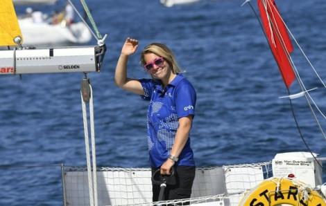 Thuyền lật sau bão, nữ VĐV giữ nghị lực sống phi thường khi chinh phục biển cả