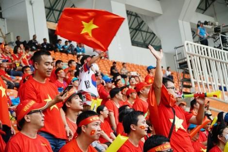 Hết vé vào sân, 'khóa sổ' tour sang Malaysia xem tuyển VN đá chung kết