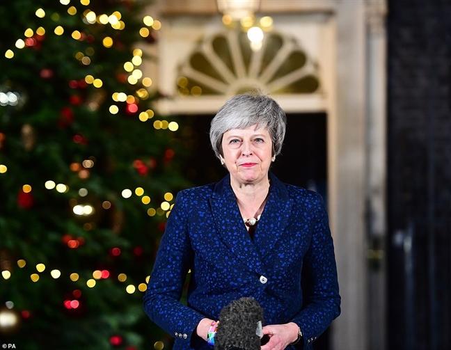 Thu tuong Anh Theresa May vuot qua cuoc bo phieu bat tin nhiem
