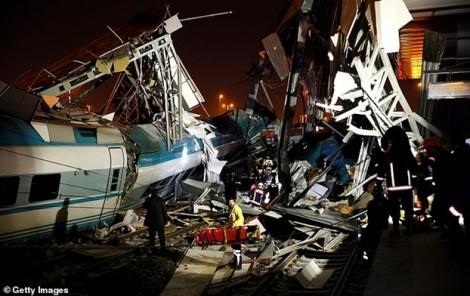 Thổ Nhĩ Kỳ: Tai nạn tàu hỏa kinh hoàng, hơn 50 người thương vong