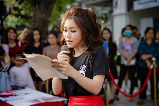 Huong Tram: 'Nhin lai minh sau nhung la thu tay'