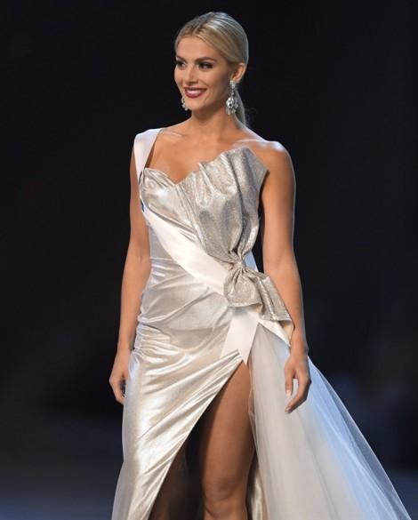 Hoa hậu Mỹ xin lỗi H'Hen Niê