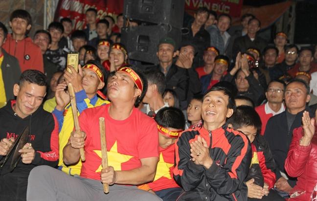 Vo trung ve Que Ngoc Hai hy vong chong som binh phuc de da tran quyet dinh AFF Cup