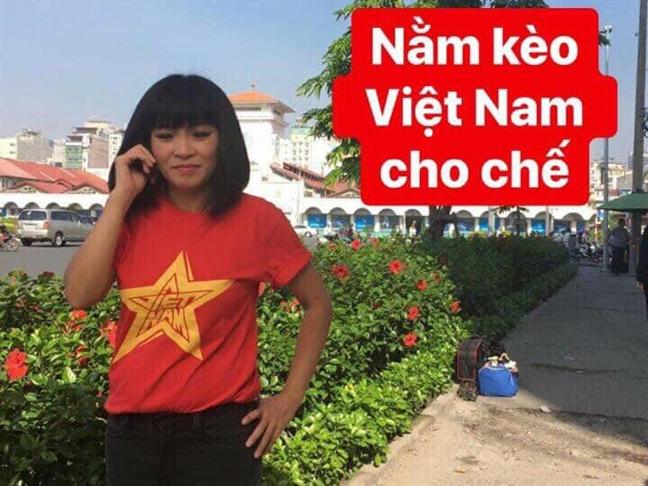Nghe si Viet ron rang dat 'cua' Viet Nam truoc tran cau quyet dinh