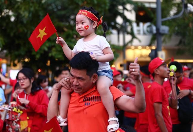 Thang Malaysia, Viet Nam vo dich AFF Cup 2018, Quang Hai xuat sac nhat giai