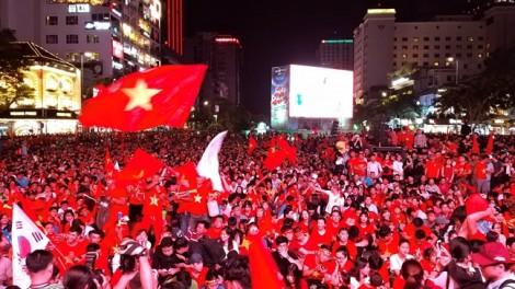 Thắng Malaysia, Việt Nam vô địch AFF Cup 2018, Quang Hải xuất sắc nhất giải