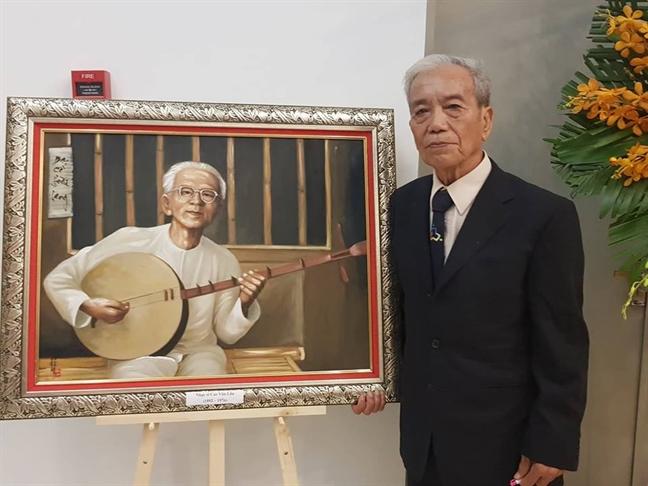 Khan gia len san khau 'dau kiem' cung nghe si cai luong
