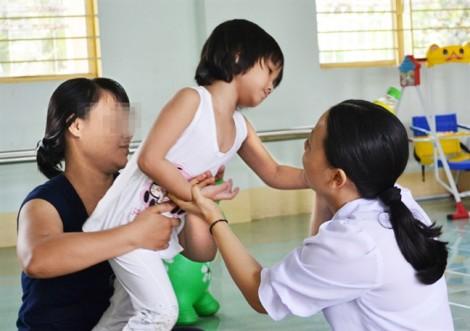 Dạy trẻ hòa nhập: Đừng đổ hết lên thầy cô