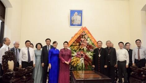 Chủ tịch Quốc hội thăm Tòa Tổng Giám mục Tổng Giáo phận TP.HCM dịp Giáng sinh