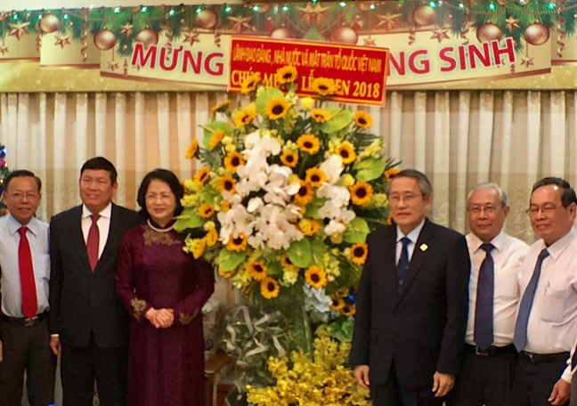 Pho Chu tich nuoc tham, chuc mung Giang sinh tai TP.HCM