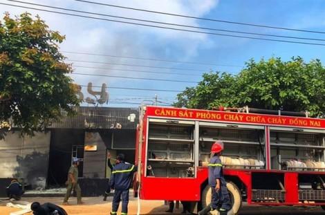 Nhà hàng ở Đồng Nai bốc cháy dữ dội khiến 6 người tử vong