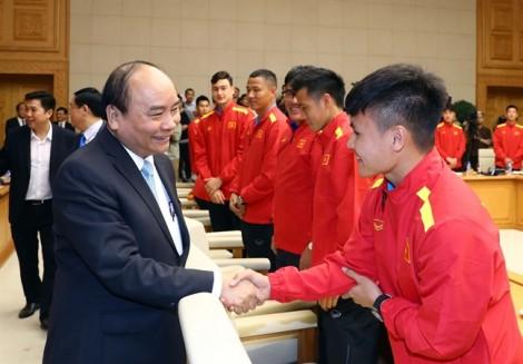 Thủ tướng trao Huân chương Lao động Hạng Nhất cho đội tuyển VN