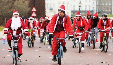 Ông già Noel xuống phố vì bệnh nhi