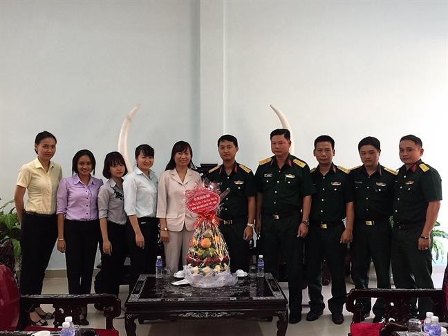 Quan Binh Thanh: Tham hoi, chuc mung cac don vi quan doi nhan ngay 22/12