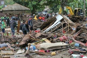 Indonesia: Cảnh báo sóng thần tiếp diễn sau thảm họa