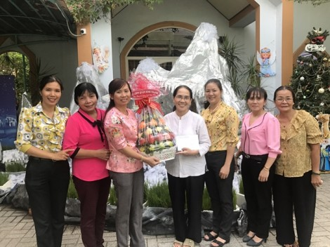 Quận Bình Thạnh: Chúc mừng các dòng tu nữ nhân mùa Giáng sinh 2018