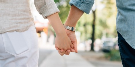 Hoang mang khi gia đình bạn gái hối thúc làm đám cưới trước Tết