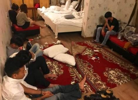 Bắt quả tang 18 nam nữ thanh niên thuê khách sạn dùng ma túy
