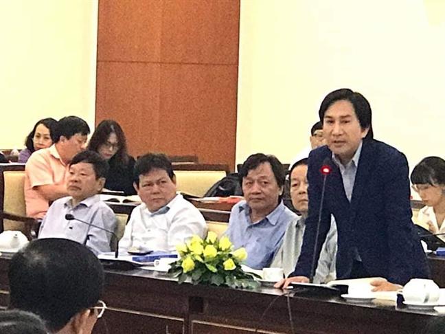 Toa dam 100 nam san khau cai luong: Cung cac nghe si thao go kho khan