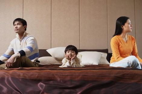 Ly hôn xong yêu cầu cấp dưỡng cho con nhưng bị chồng cũ chối bỏ