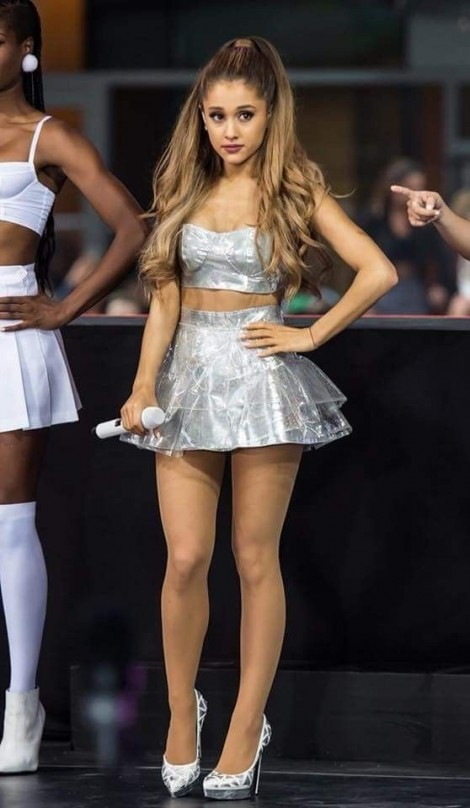 3 bí quyết khiến Ariana Grande mặc đẹp bất chấp hạn chế chiều cao