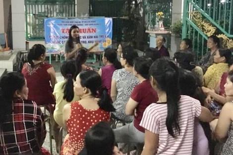 Quận 2: Hướng dẫn nữ công nhân kỹ năng bảo vệ trẻ