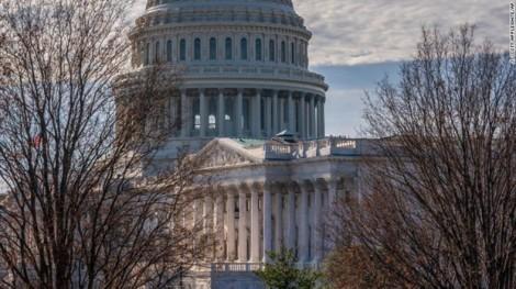 Tổng thống Mỹ ra sắc lệnh hủy tăng lương nhân viên liên bang năm 2019