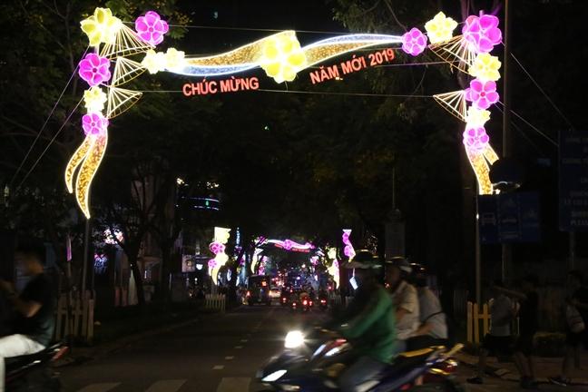 Phao hoa ruc sang bau troi TP.HCM chao don nam moi 2019