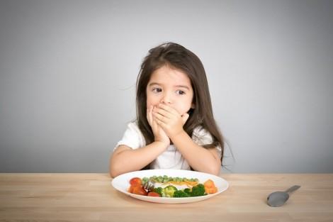Tại sao con bỗng dưng biếng ăn?