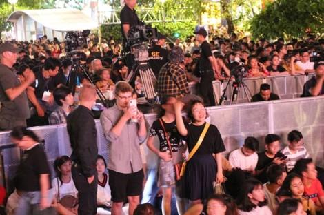Hàng chục nghìn khán giả phấn khích với đại tiệc văn hoá đón năm mới 2019