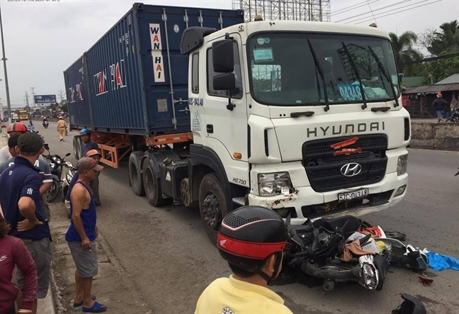 Thu truong Bo GTVT: Tai xe xe container tong hang loat xe may dung den do 'co van de'