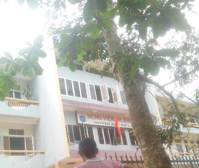 Thai phu vo tu cung, mat con vi co sinh con tai nha