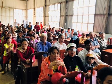 Tân Phú: Khám bệnh, tặng quà cho 200 người nghèo vùng biên giới