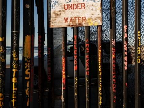 Mỹ điều thêm quân đến biên giới, Mexico đòi điều tra vụ bắn hơi cay