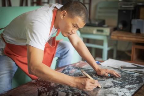 Họa sĩ Trần Quốc Long: 'Sơn mài ở ta tính nghệ thuật rất hạn chế'