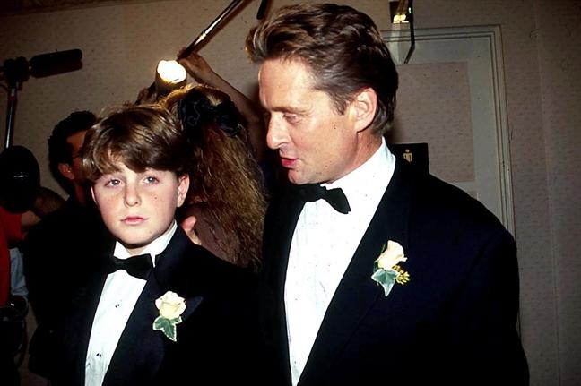 Con trai Michael Douglas: Bat dau moi thu o tuoi 41
